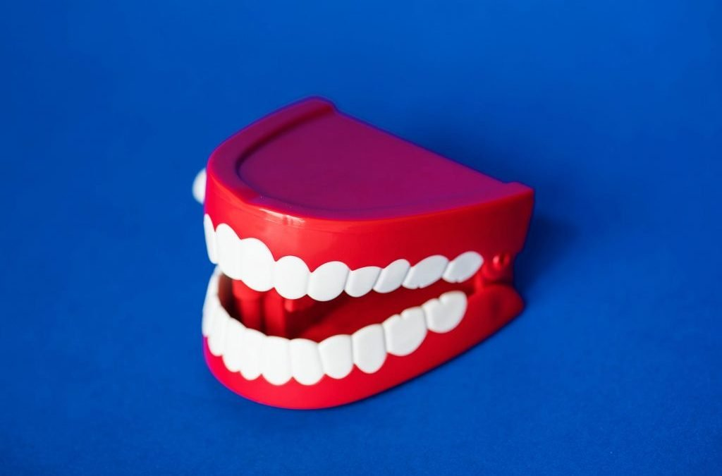 The Difference Between Removable and Fixed Denture Implants